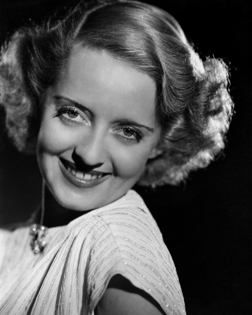 Bette Davis: The First Lady of American Screen
